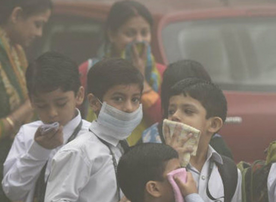 Delhi Air Pollution:  Flights Affected; All schools to be closed.