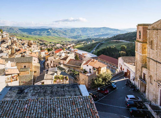 Quaint Italian town of Cammarata gives away FREE ouses