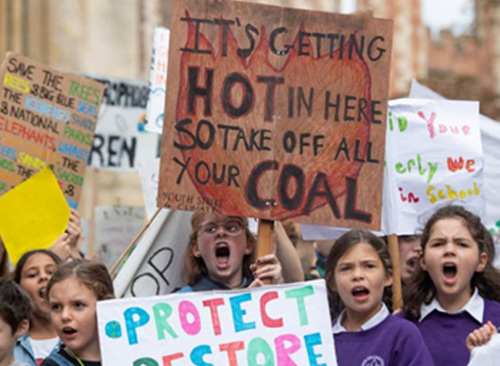 """""""climate strike"""" word of the year by Collins dictionary"""