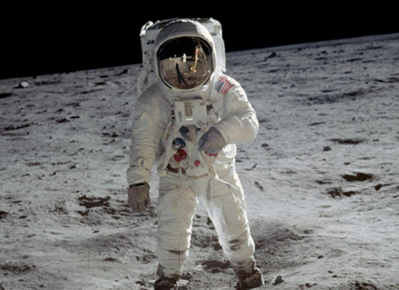 Astronauts to grow their homes on moon?